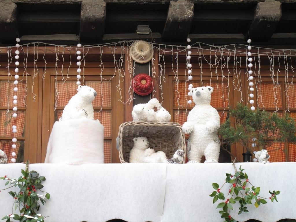 Détail d'une décoration rue des Serruriers