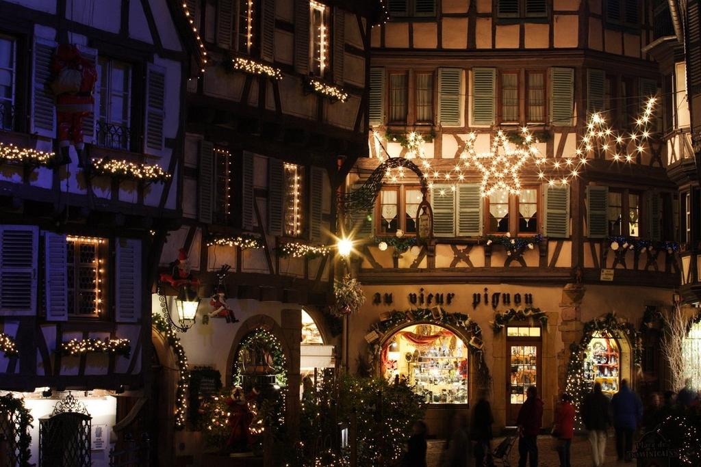 Rue des Marchands illuminée