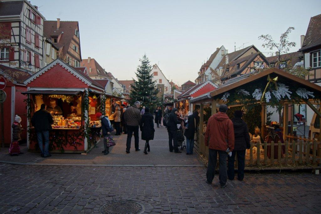 Marché de Noël des Enfants, place des Six Montagnes Noires