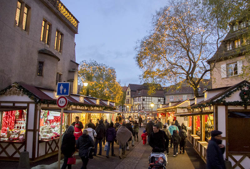 Marché de Noël de Colmar place de l'ancienne douane